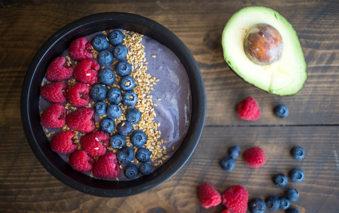 Detoxifying Mixed Berry Smoothie Bowl